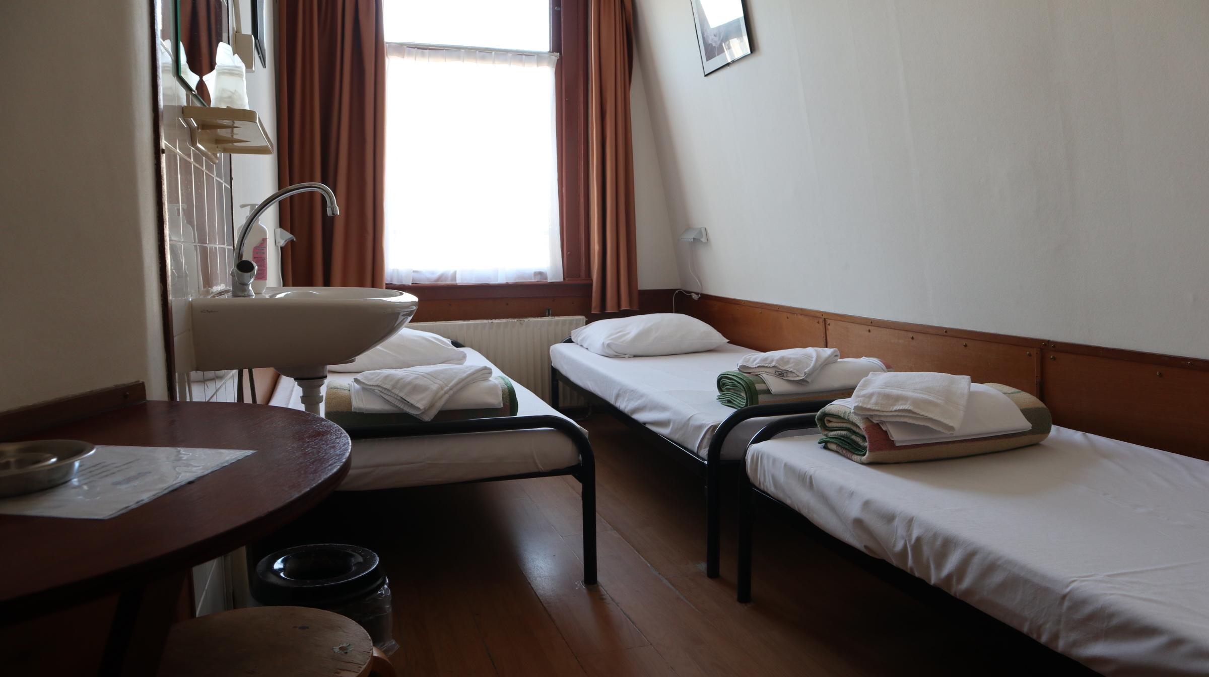 Amsterdam Budget hotel - triple room 2